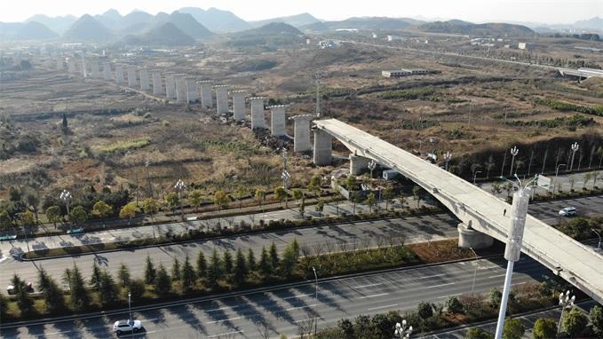 贵阳市地区速铁线下工程完成 公交车化运营 贵阳贵安绕道45分钟